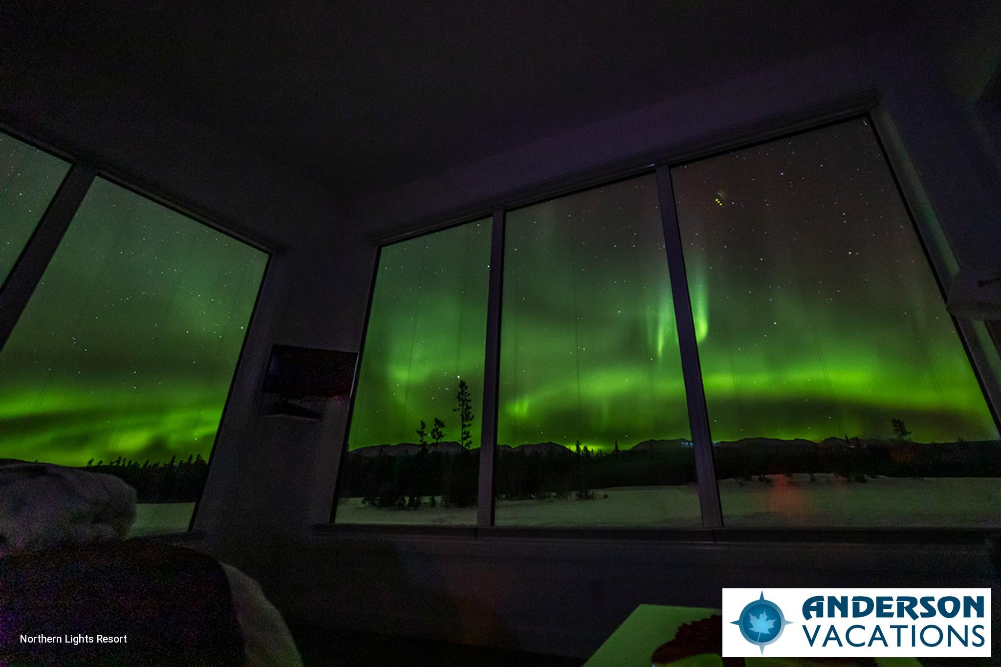 Aurora Glass Chalets Northern Lights Resort